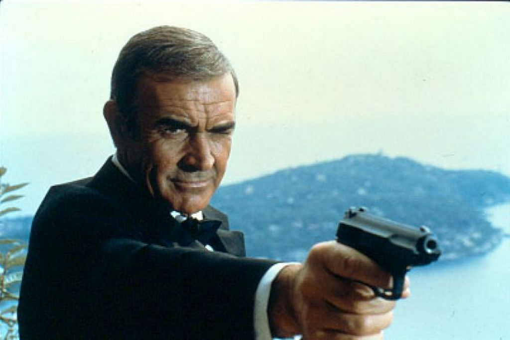 Sean Connery dalam filem James Bond pada 1983, Never Say Never Again. Beliau meninggal dunia dalam tidur.