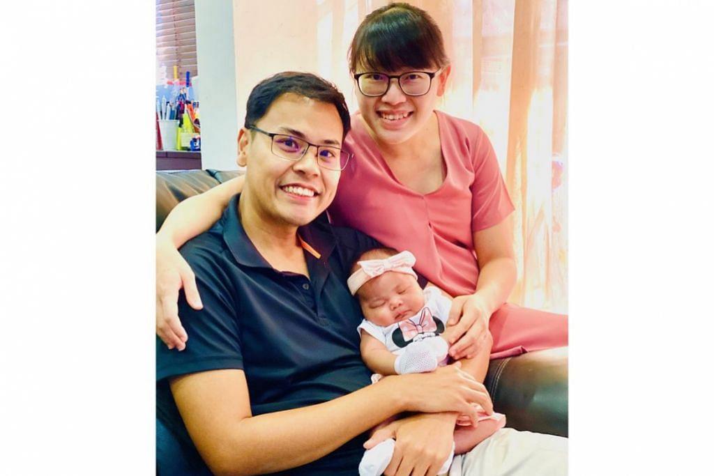 SOKONGAN KELUARGA: Bersama isteri, Cik Ng Wan Pei, dengan cahaya mata pertama mereka.