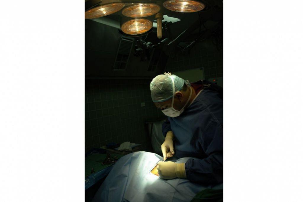 AMARAN WHO: Lebih setengah juta kes baru kanser serviks didiagnosis di seluruh dunia setiap tahun, manakala ratusan ribu wanita meninggal dunia akibat penyakit itu. WHO memberi amaran bahawa angka terbabit akan meningkat secara signifikan pada tahun-tahun mendatang sekiranya tiada tindakan diambil untuk membendungnya. - Foto ISTOCKPHOTO