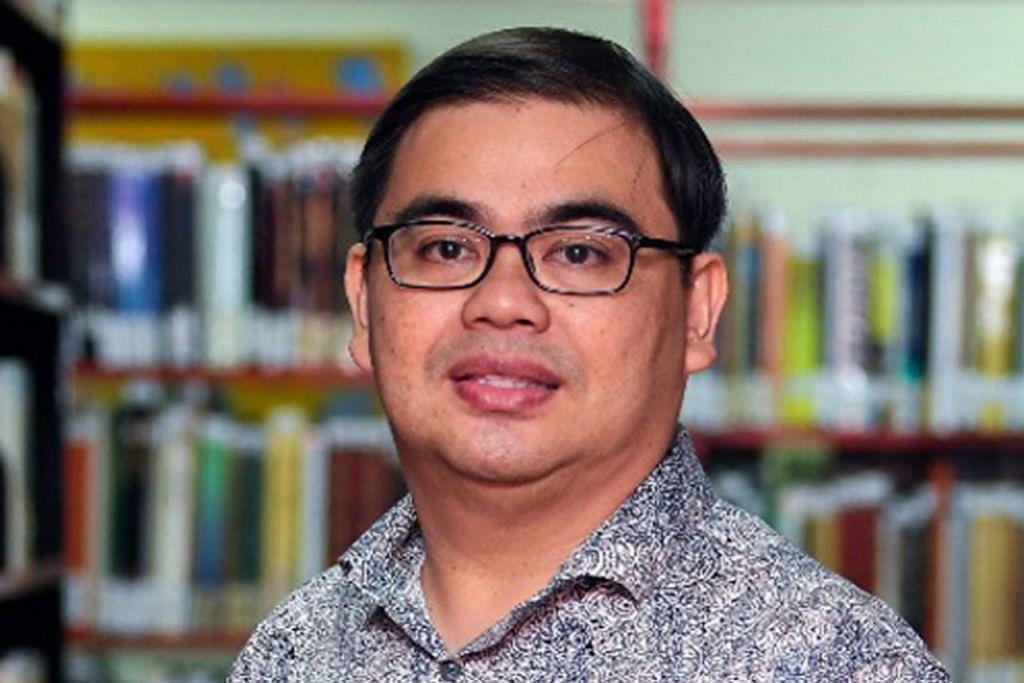 PROFESOR AWANG AZMAN AWANG PAWI.
