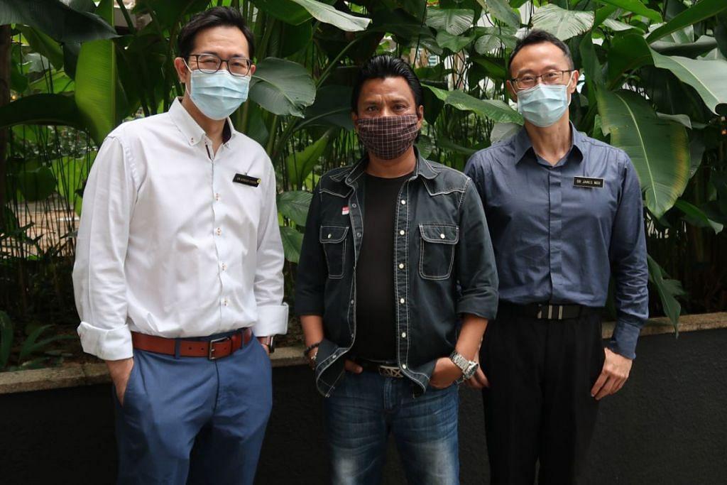 BERTERIMA KASIH KEPADA DOKTOR YANG BERJAYA MENGAWAL KEADAAN PENYAKITNYA: Encik Jaffar (tengah) bersama Dr James Ngu (kanan) dan Dr Adrian Chiow (kiri). - Foto-foto CGH.