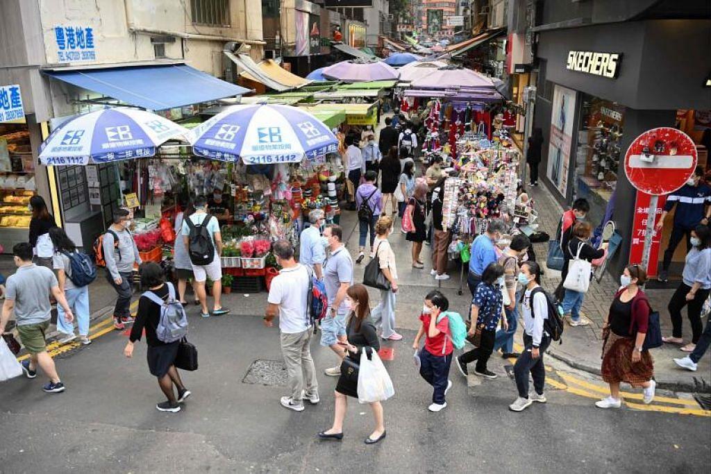 Gelembung perjalanan udara (ATB) antara Singapura dengan Hong Kong ditunda lagi sedang bilangan kes Covid-19 tempatan yang tidak berkait di Hong Kong kekal tinggi.