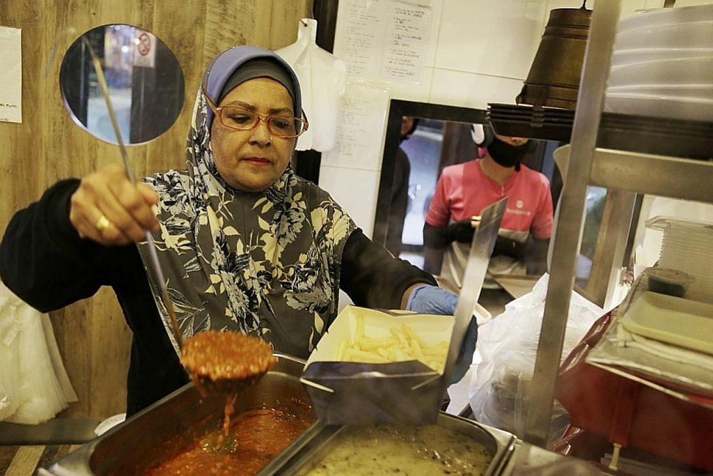 Sijil halal buka peluang kerja di restoran