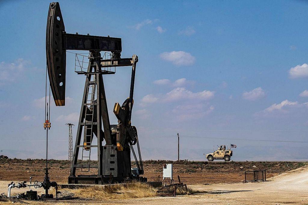 Minyak naik, saham jatuh susuli Iran serang markas AS di Iraq