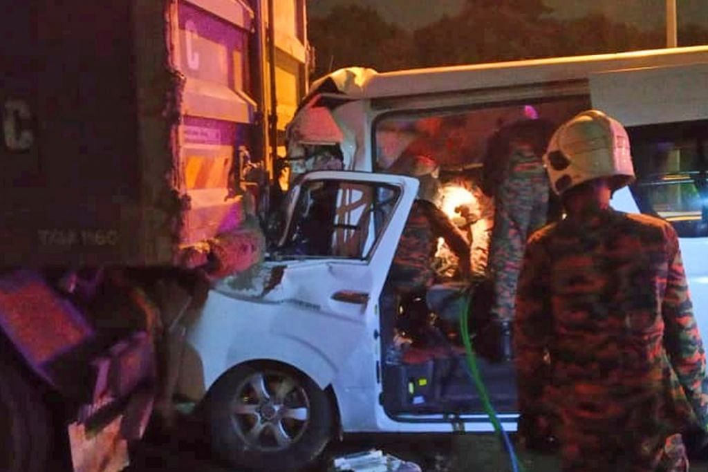BADMINTON Pemain nombor satu dunia Momota cedera dalam nahas di M'sia, pemandu maut