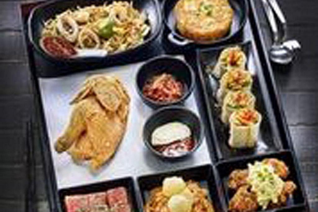 Aneka 'makanan jalanan' di restoran Hawkerman