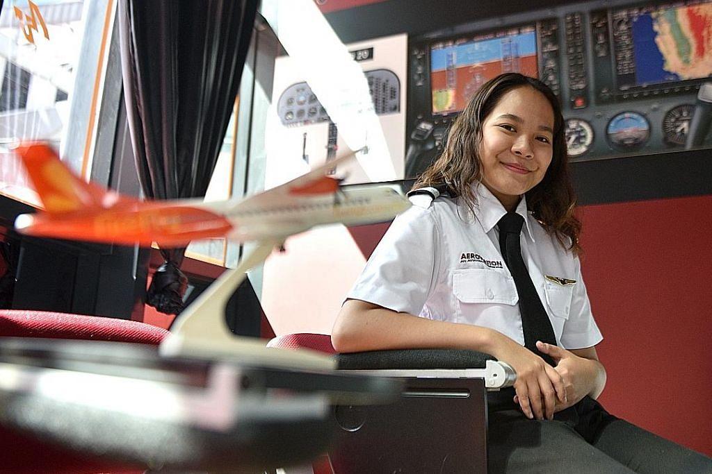 Pelajar ITE Melayu wanita termuda di S'pura dapat lesen juruterbang