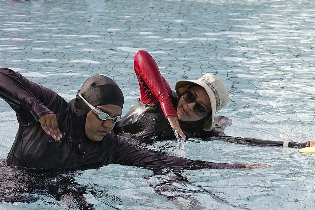 Jurulatih gembira galak berenang untuk sihat