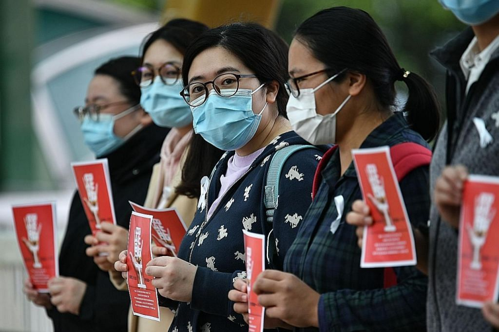 Pekerja perubatan Hong Kong mogok tuntut sempadan dengan China ditutup