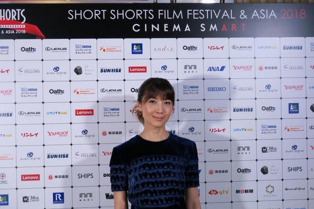 Pelakon Jeanette Aw memutuskan duduk di rumah selama 14 hari selepas pulang dari China pada 3 Februari lalu. Foto fail