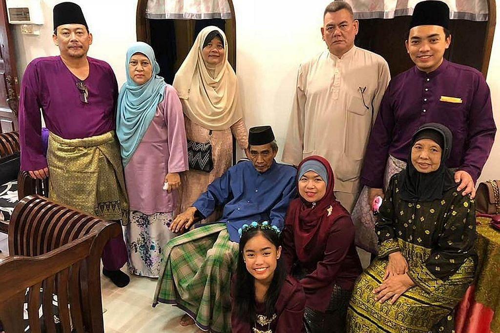 DALAMI BUDAYA: Cik Sharifah memeluk agama Islam dan bertekad mengenali budaya Melayu dengan lebih dekad apabila mendirikan rumah tangga di sini.