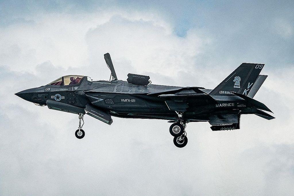 Jet pejuang 'Starscream' dan yang dibeli SG pun ada...