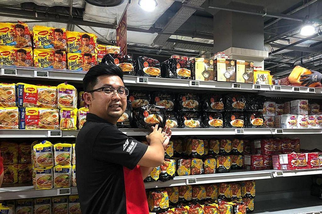 Pemimpin kesatuan pekerja turun padang bantu pulihkan stok di pasar raya