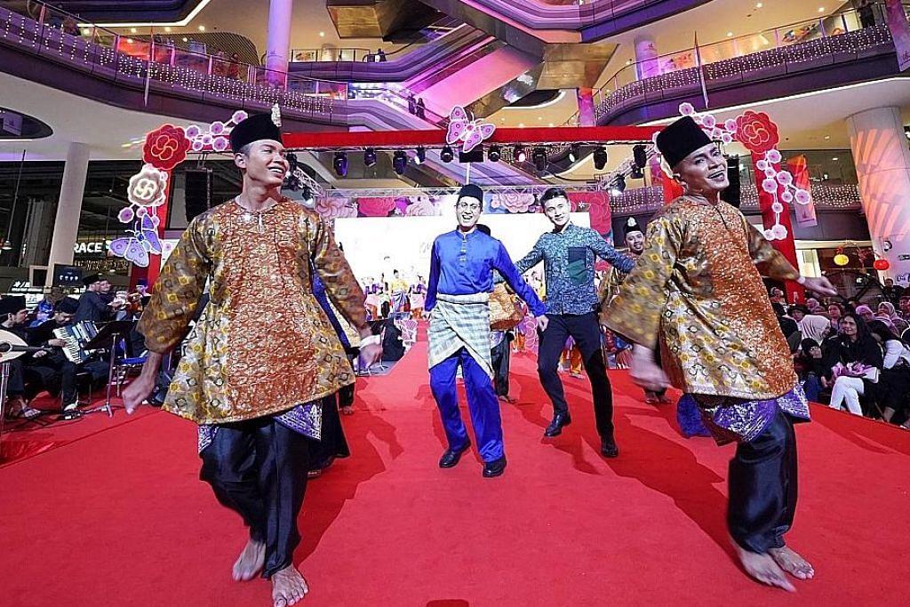 Rentak zapin meriahkan acara di Our Tampines Hub