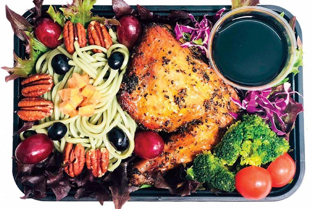 GALAK MAKAN SIHAT: Di AMGD, tujuan mereka adalah untuk menyediakan makanan yang lazat dan sihat kepada masyarakat yang akan memberi banyak manfaat yang diperlukan dalam diet seharian. - Foto AMGD