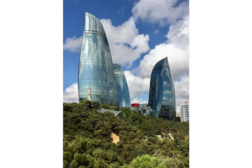 minat pelancong Singapura Api Azerbaijan bakar