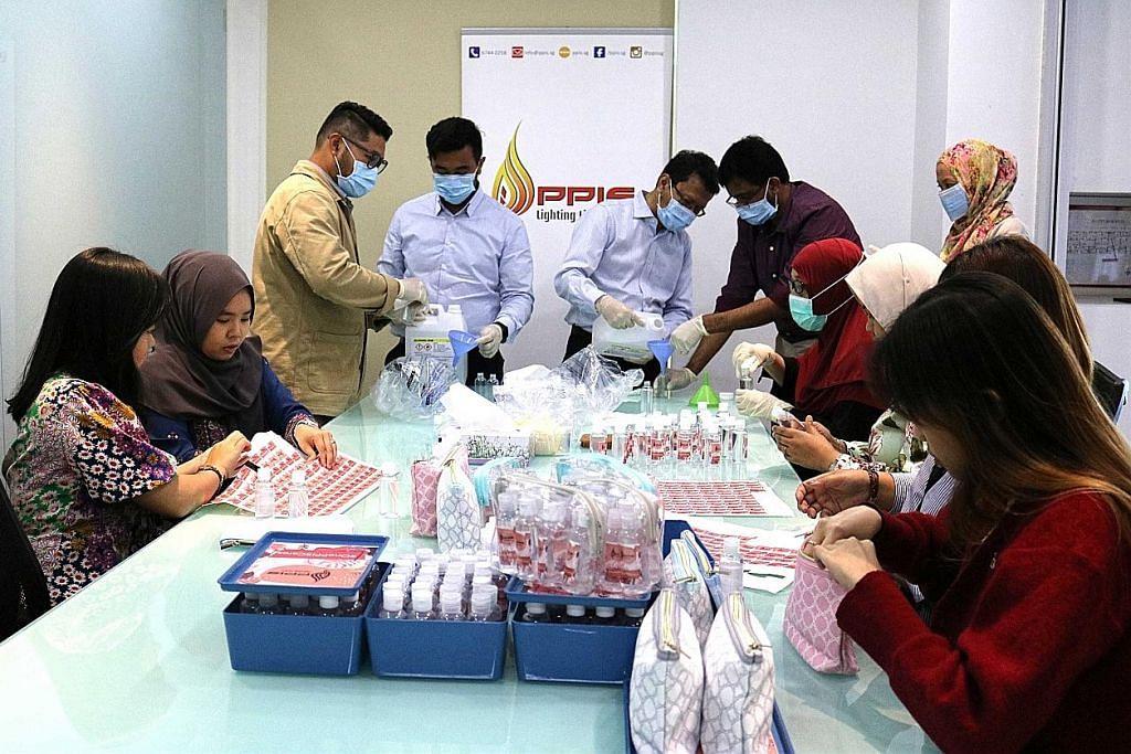 PPIS agih sanitiser tangan kepada lebih 250 pekerja barisan depan