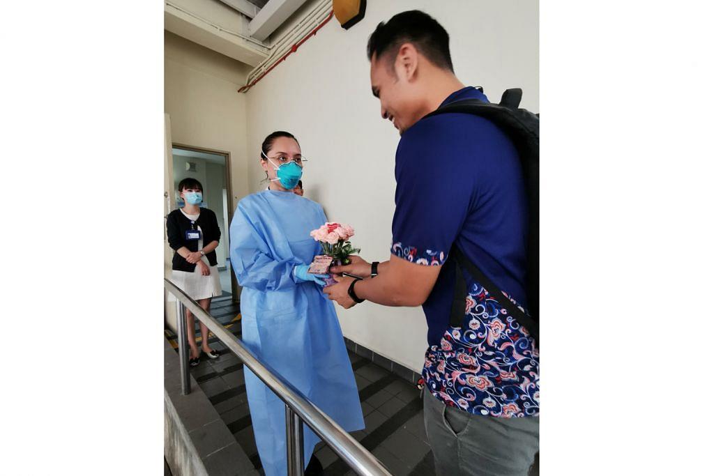 Bunga reben penghargaan buat kakitangan perubatan
