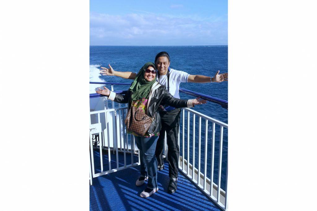 Seberangi Selat Gibraltar menuju ke Maghribi
