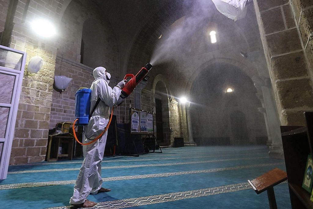 Beberapa negara Islam batal solat Jumaat atau ambil langkah berjaga-jaga
