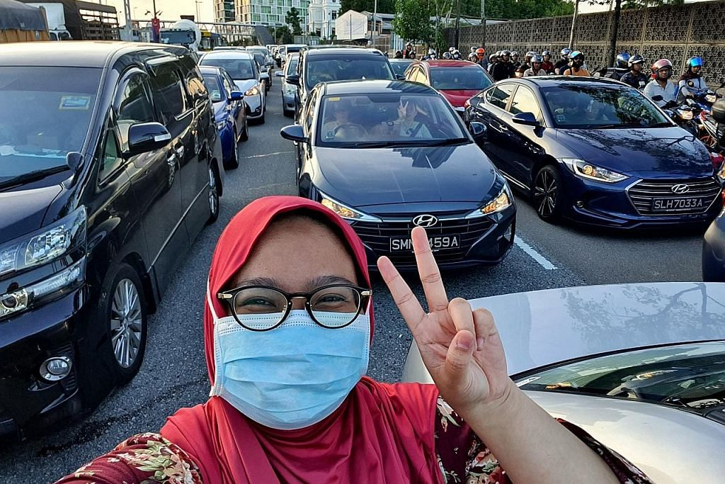 Perjalanan luar biasa 15 jam dari KL ke SG