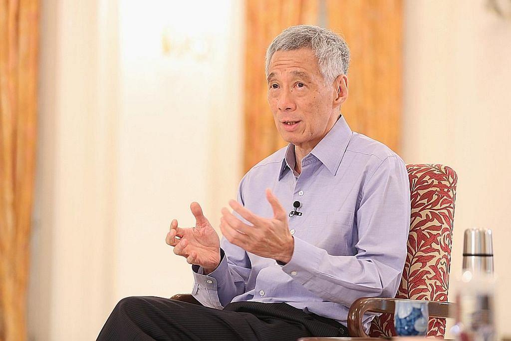 KUKUH: Singapura sedang menghadapi satu krisis amat besar yang memerlukan pucuk pimpinan dan mandat yang paling kukuh untuk mengatasi krisis ini, kata Perdana Menteri Lee Hsien Loong. - Foto MCI