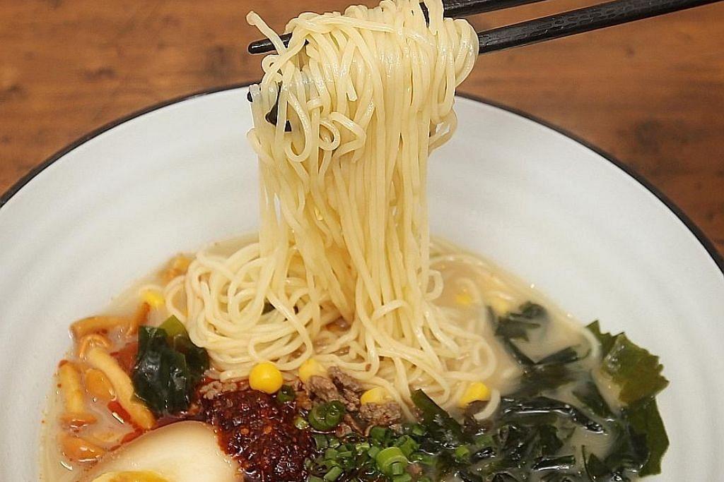 BUKA SELERA: Hidangan ramen seperti yang didapatkan di The Ramen Stall ini antara hidangan Jepun yang biasanya boleh didapatkan di restoran Jepun. - Foto fail