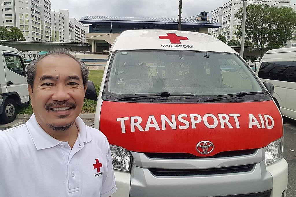 Senyuman pemandu ambulans 'pengubat' pesakit