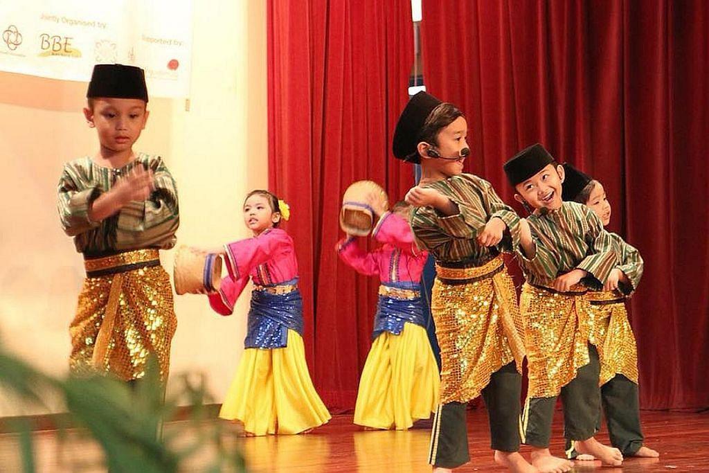 Cantik bahasa, cantik budi orang Melayu...