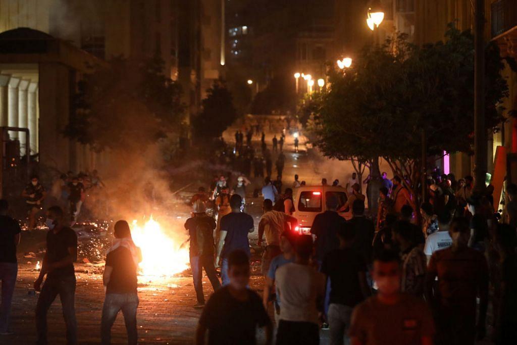 Rakyat Lebanon marah