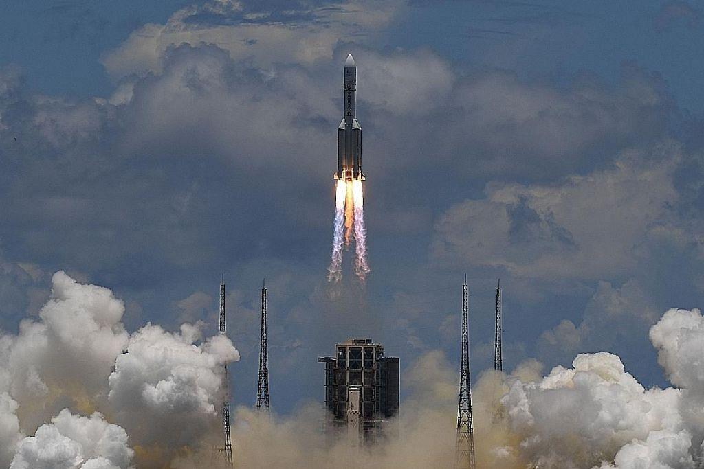 China lancar sembilan satelit komersial dari laut