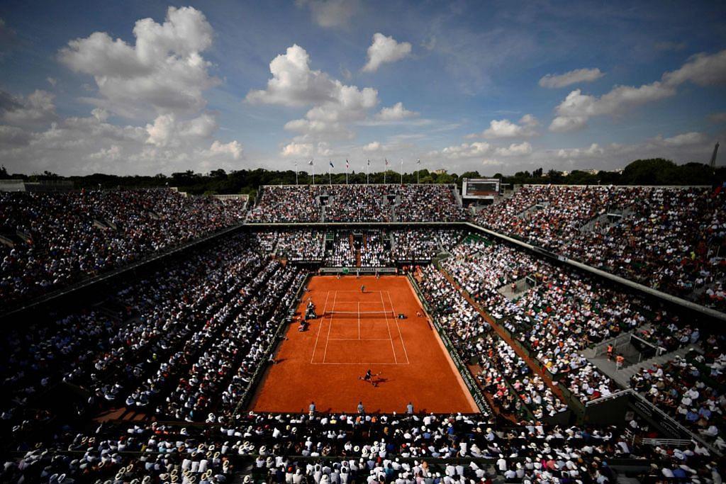Hanya 5,000 penyokong di Terbuka Perancis