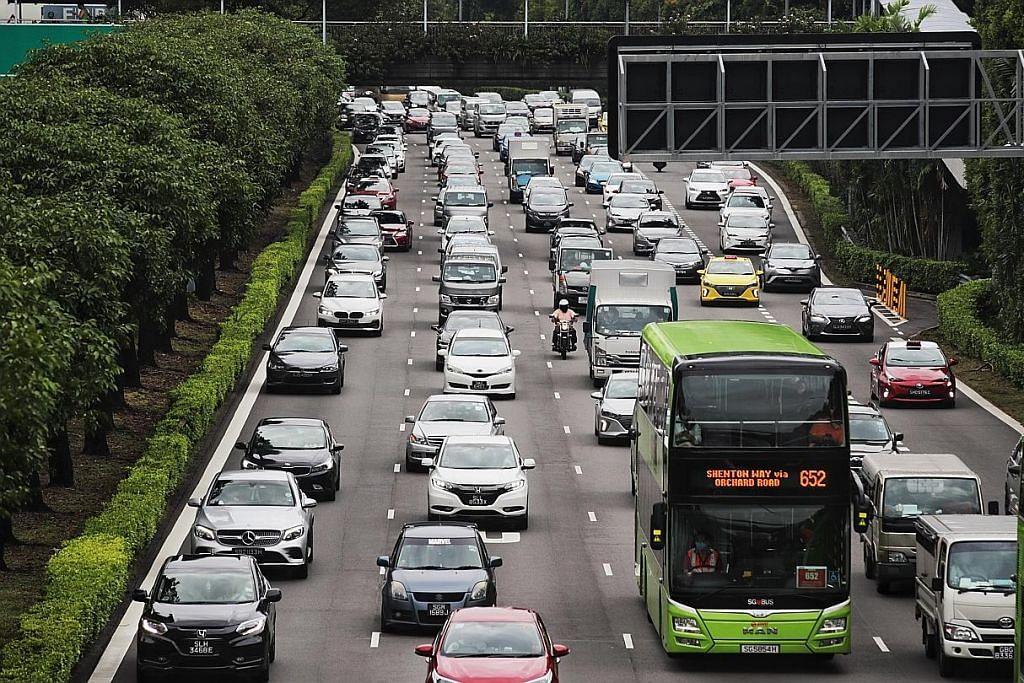 Jalan raya lebih sesak; lebih ramai 'pulang' kerja