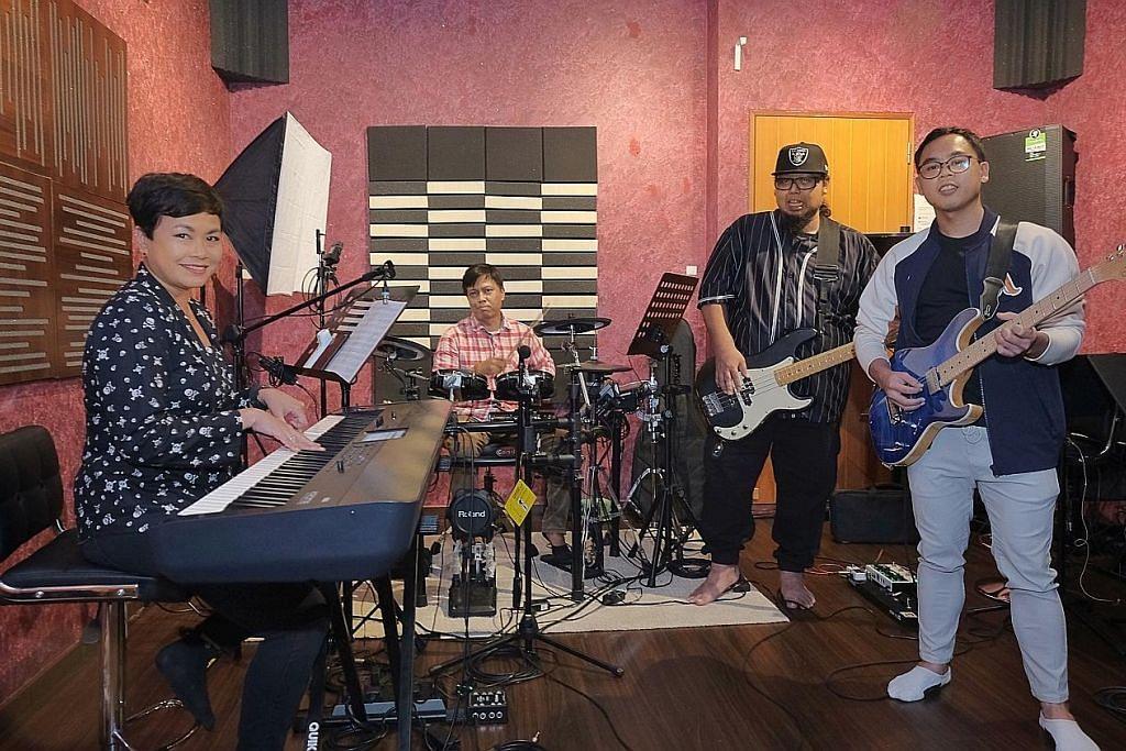 Band tanpa vokalis terbuka rakam lagu dengan bakat Nusantara