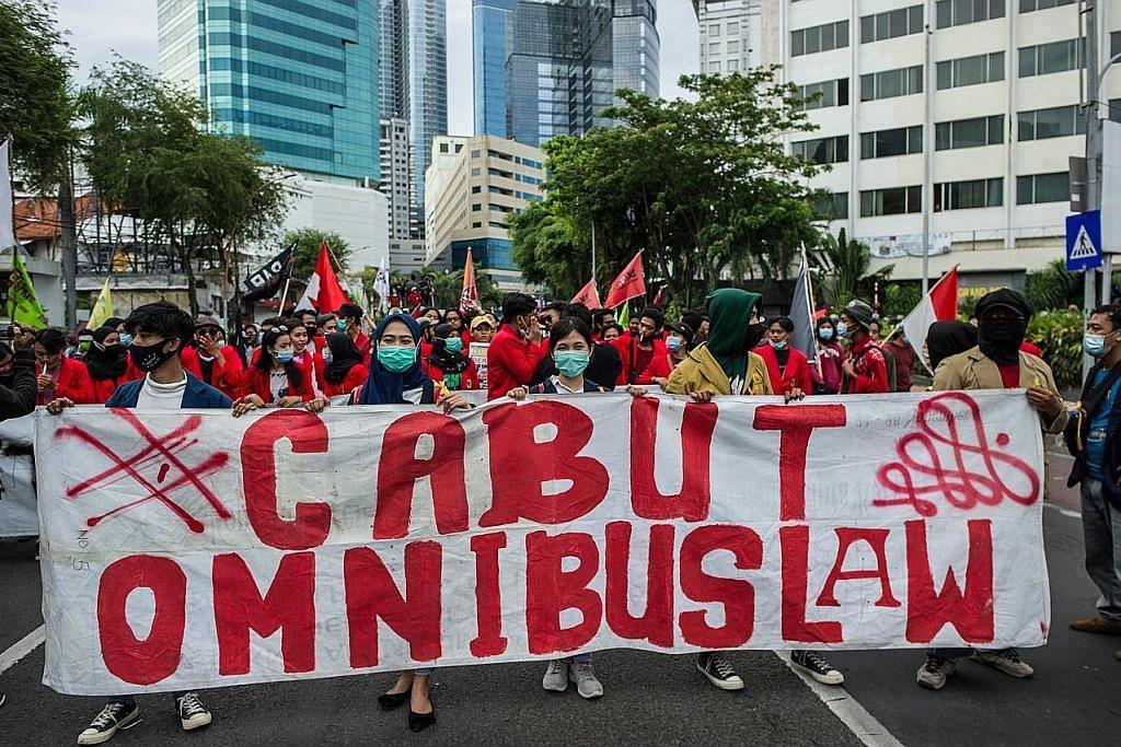 Pelajar terus bantah akta cipta kerja di seluruh Indonesia