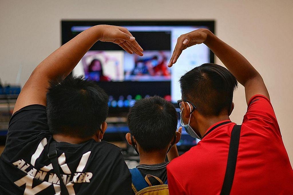 Banduan diberi peluang berhubung maya dengan 3 anak