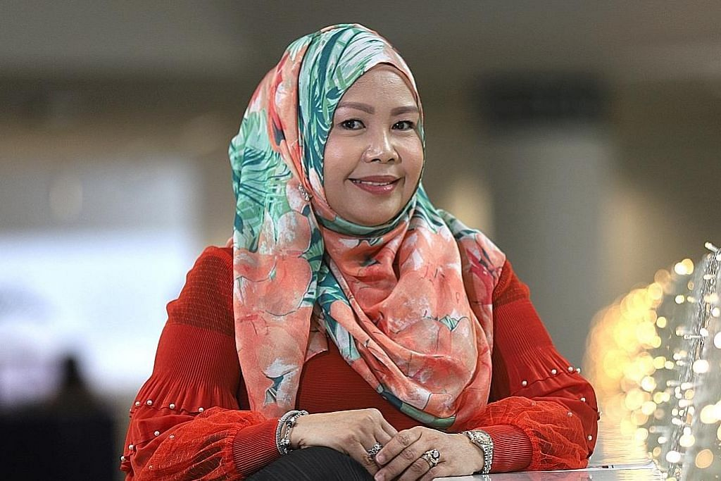 Soal jawab bersama: Warna 942 & Ria 897 Cik Sabariah Ramilan Ketua, Audiens Melayu & Eaglevision, Mediacorp Warna, Ria lebih segar, aneka hiburan