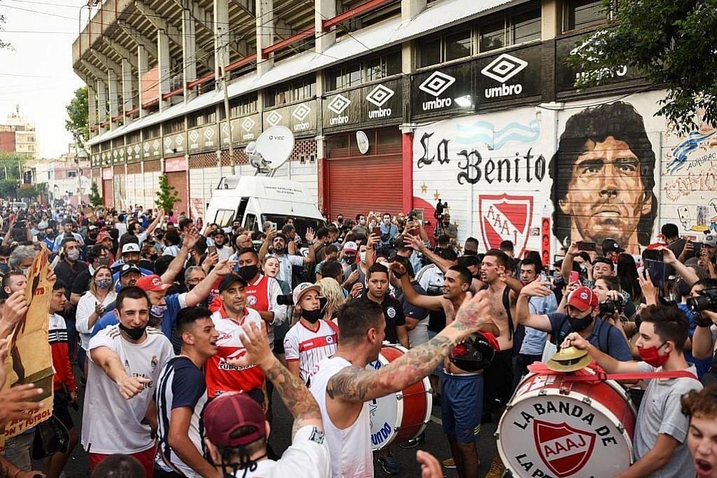 Pengebumian negara untuk Maradona