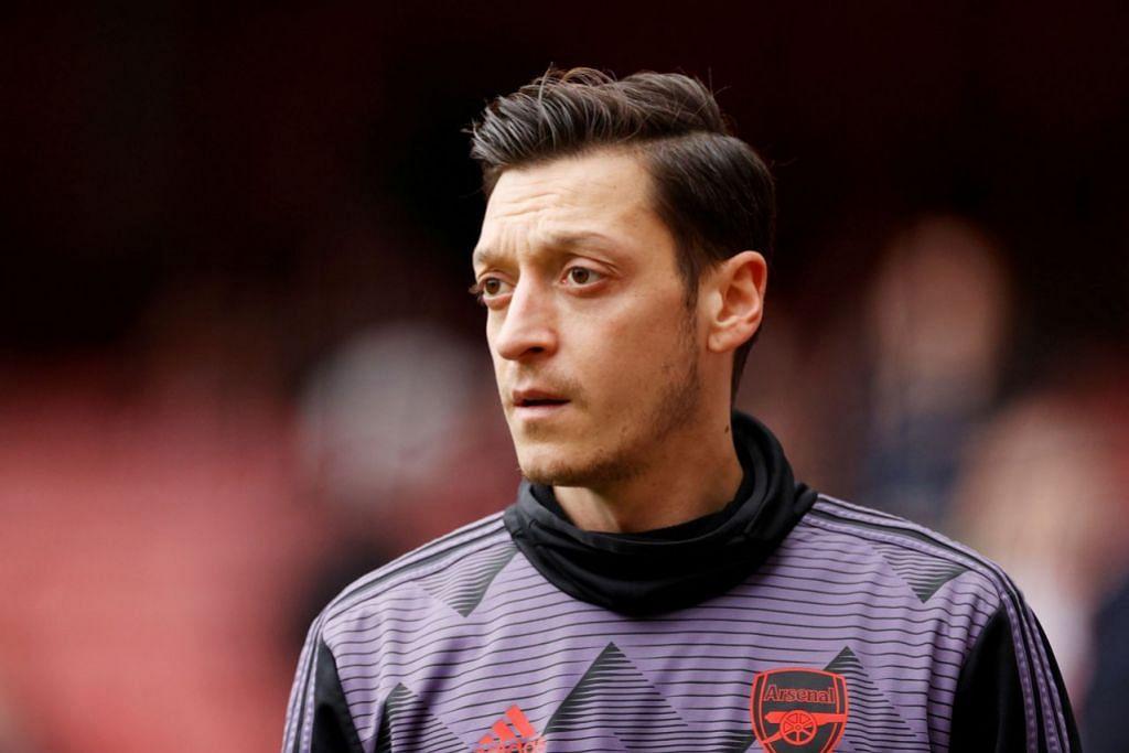 TIDAK DAPAT BERAKSI: Mesut Ozil playmaker pilihan utama di Arsenal, tetapi masalah di luar padang bermakna beliau tidak akan beraksi bagi Arsenal. - Foto REUTERS