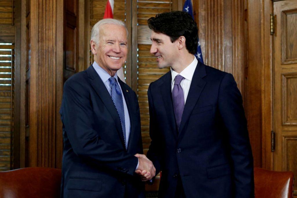 PERKUKUH HUBUNGAN: Encik Joe Biden (kiri) menemui Perdana Menteri Canada Justin Trudeau di Ottawa, Canada pada 2016. Encik Biden merupakan Naib Presiden Amerika waktu itu. - Foto REUTERS