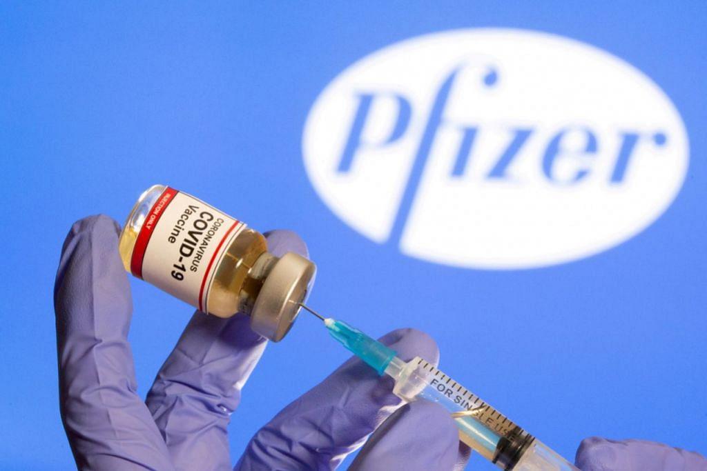 VAKSIN YANG DILULUSKAN: Buat masa ini vaksin yang dibangunkan Pfizer-BioNTech diluluskan untuk digunakan di Singapura. Lebih banyak vaksin dijangka tiba di Singapura dalam beberapa bulan ke depan, termasuk vaksin oleh syarikat Amerika Syarikat Moderna dan Sinovac China - Foto REUTERS