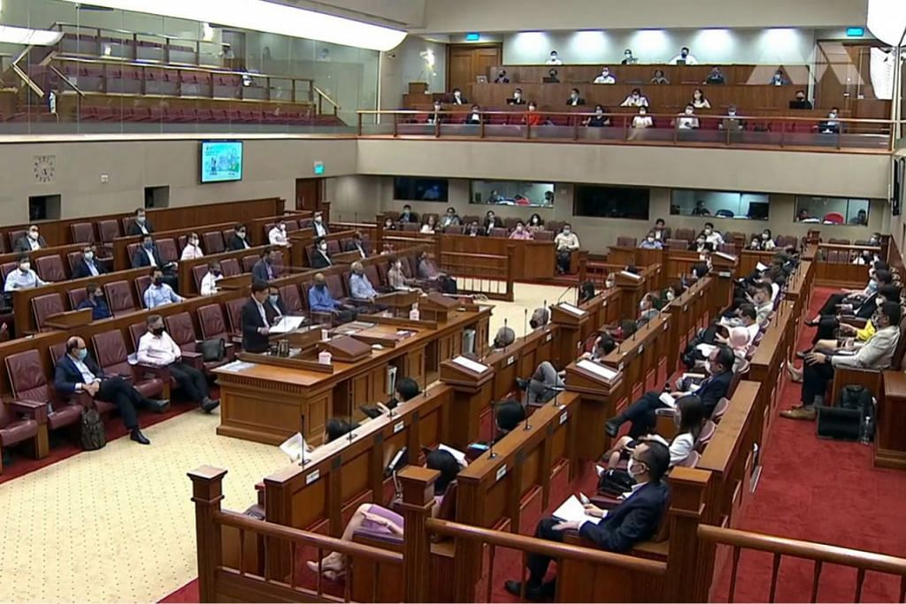 BELANJAWAN: Timbalan Perdana Menteri dan Menteri Kewangan Encik Heng Swee Keat semasa membentangkan Belanjawan dalam sidang Parlimen minggu lalu. Minggu ini Dewan membahaskan belanjawan yang dibentangkan itu. - Foto fail