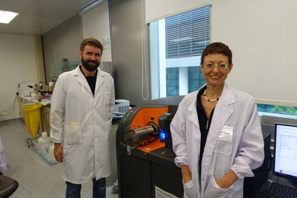 Pengasas bersama ImmunoScape Michael Fehlings dan Alessandra Nardin. Syarikat itu mencari sekitar 250 sampel sel T daripada individu yang telah divaksin.