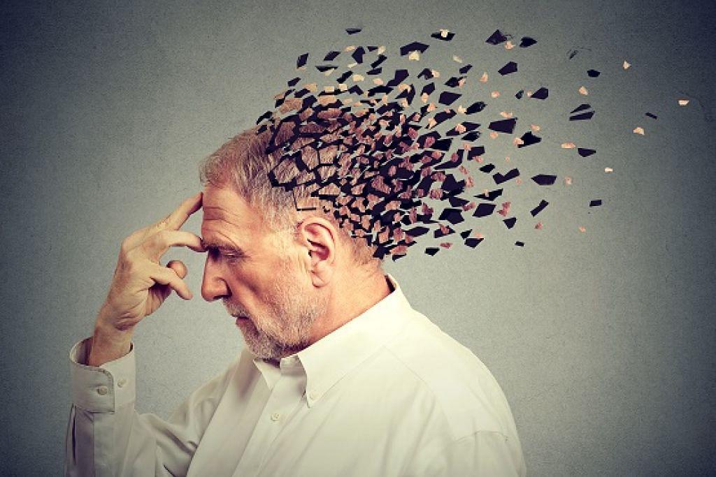 TEMPOH SUKAR DIMENGERTIKAN: Demensia sulit dimengertikan mereka yang menjalaninya serta membawa cabaran buat pengasuh mereka juga. - Foto FAIL