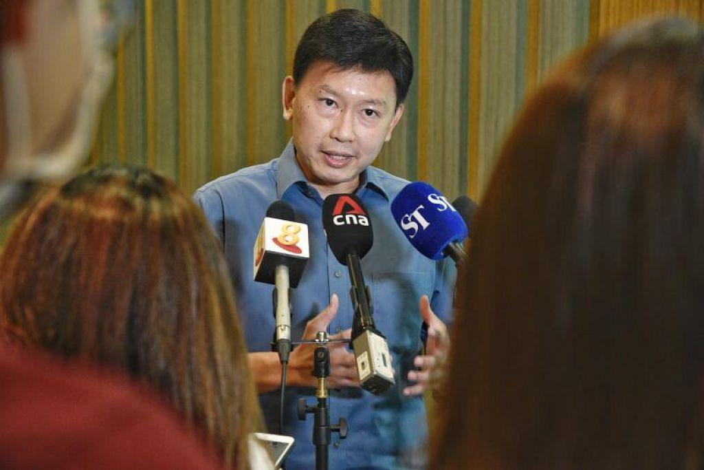 SERTAI GERAKAN BURUH: Encik Chee Hong Tat akan menjalankan tugas sebagai Timbalan Setiausaha Agung NTUC mulai 15 Mei menyusuli pengumuman rombakan Kabinet. - Foto FAIL