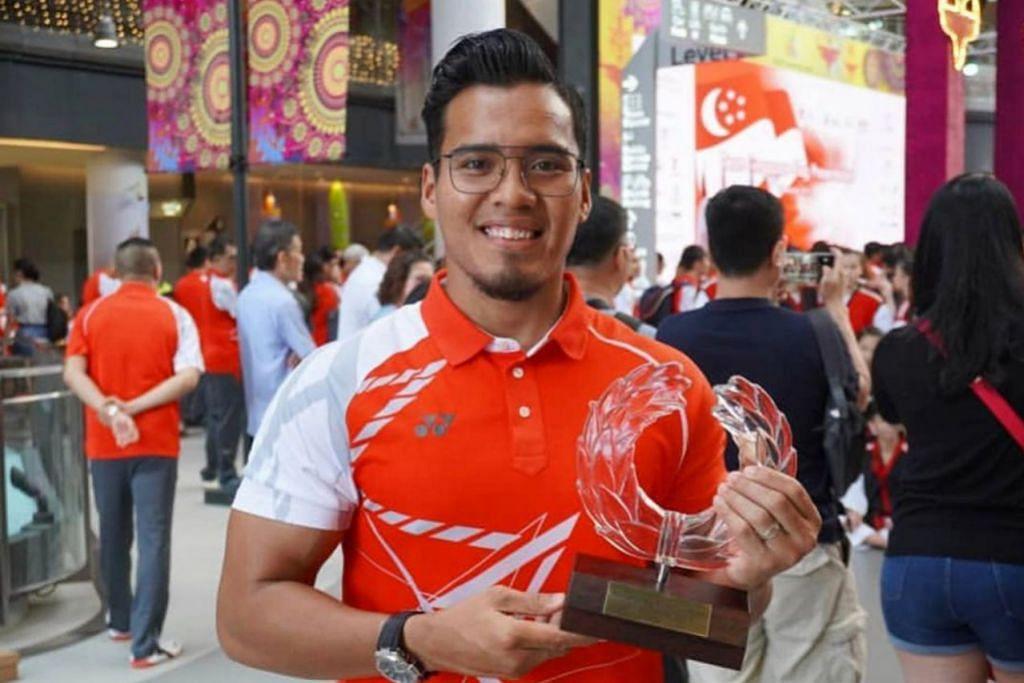 PASANG SURUT SEORANG ATLET: Juara dunia silat Singapura Shakir Juanda bergelut dengan berat badannya sepanjang 15 tahun bersaing dalam pelbagai kelas berat silat. - Foto ihsan SHAKIR JUANDA