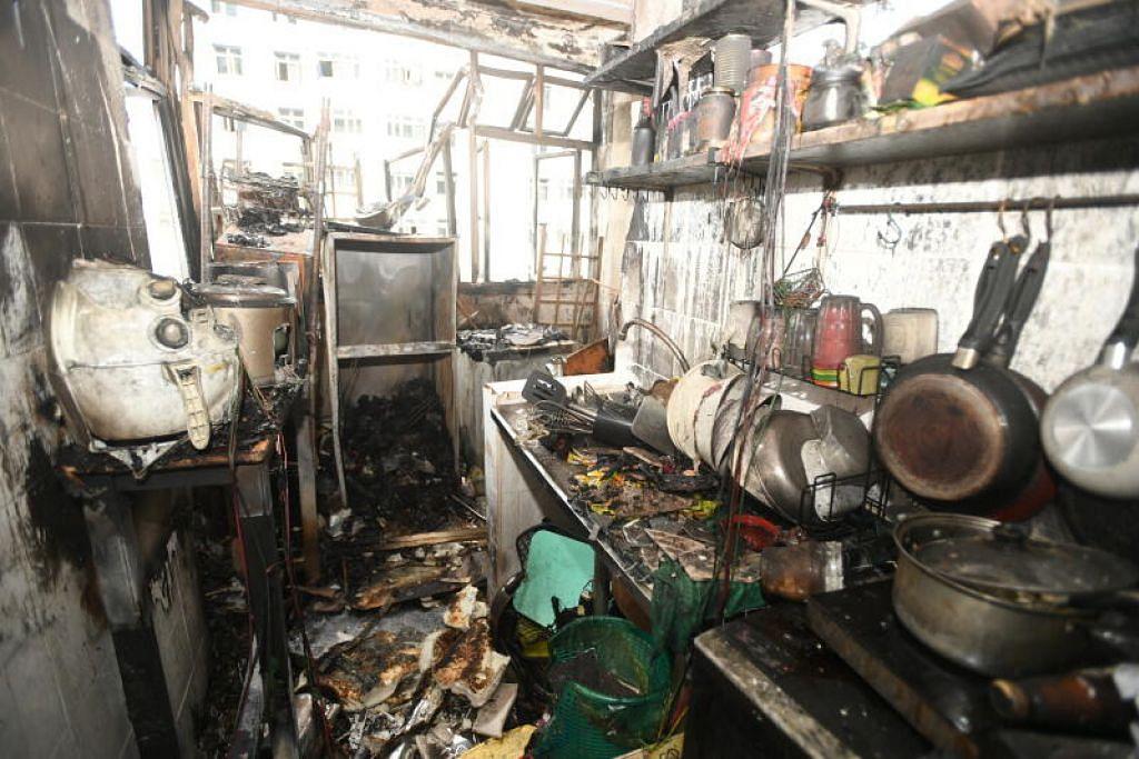 Hampir semua barang dalam unit flat sewa itu musnah dalam kebakaran tersebut.