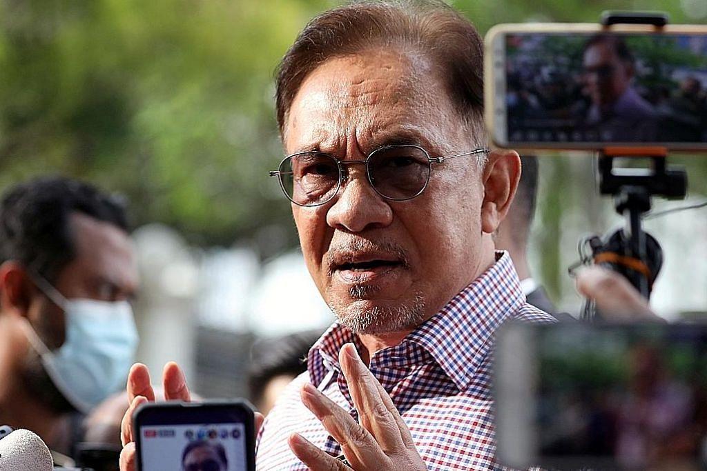 ADA PERANCANGAN SENDIRI? Pakar: Anwar tidak akan jaya minta darurat ditarik balik