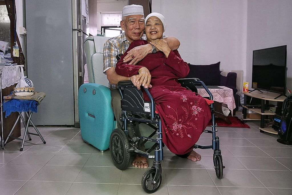 Setia jaga isteri kurang upaya hampir 50 tahun