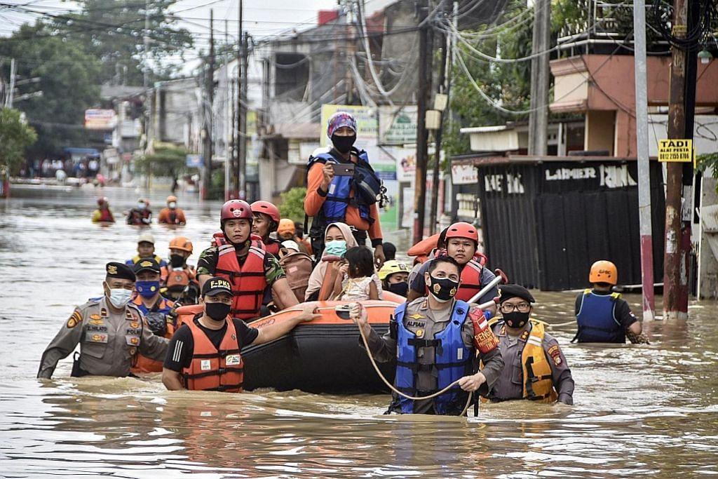 Jakarta dilanda banjir, lebih 1,000 penduduk dipindah